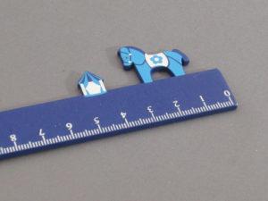 Lineal mit Pferd in blau